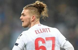 Liverpool'dan 17 yaşındaki Elliott'a profesyonel...