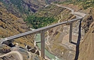 Türkiye'nin en yüksek köprüsü 11 Temmuz'da...