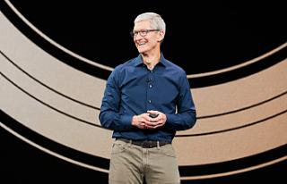 Apple CEO'su Tim Cook da dolar milyarderleri...