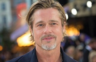 Brad Pitt kendisinden 29 yaş küçük sevgilisiyle