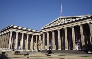 British Museum köle tüccarı kurucusunun büstünü...