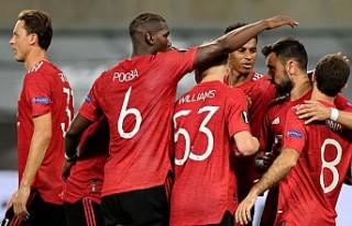 Manchester United, UEFA Avrupa Ligi'nde yarı...