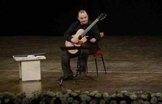 Ünlü gitarist Soner Egesel, otelde intihar etti