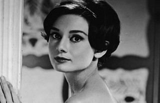 Audrey Hepburn'ün nadir fotoğrafları satışa...