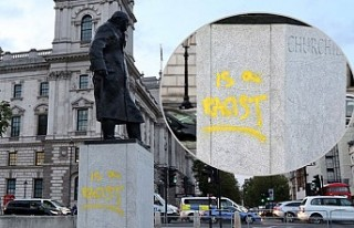 """Churchill'in Heykeline Yeniden """"Irkçı""""..."""