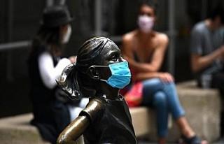 Ev dışında her yerde maske takmak zorunlu