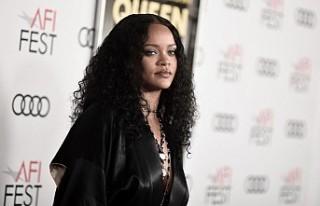 Rihanna'nın yüzündeki morluklar, hayranlarını...