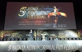 Altın Portakal Film Festivalinde ödüller sahiplerini...