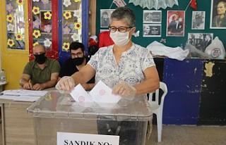 KKTC'de Halk, Cumhurbaşkanı Seçimi İçin...