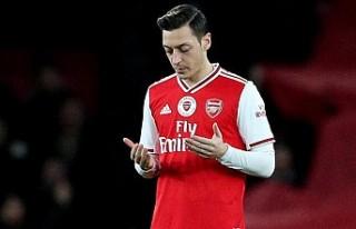 Mesut Özil'den 'İslam'da teröre...
