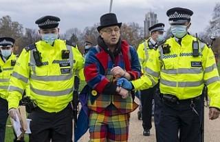 Londra'da Karantina Karşıtı Göstericilere Gözaltı