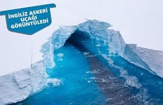 Dünyanın En Büyük Buz Dağı Eriyor
