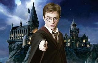 """Harry Potter Kalesi İçin """"Sihirbazlar""""..."""