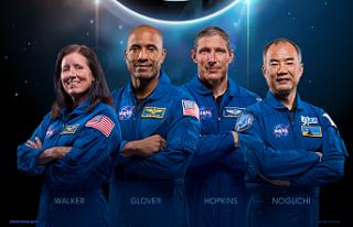 SpaceX Astronotları Uzayda Rekor Kırdı