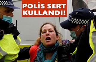 Londra'da 33 Protestocu Gözaltına Alındı