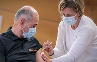 Bilim İnsanları Pfizer-BioNTech Aşısını Araştırdı;...