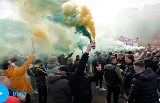 Manchester United-Liverpool Maçı Protesto Nedeniyle...