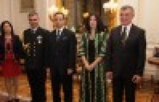 Büyükelçi Çeviköz'den Cumhuriyet resepsiyonu