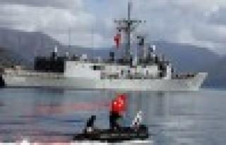 Savaş gemileri Akdeniz'e açıldı
