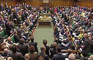 İngiliz Parlamentosu IŞİD'le mücadeleyi yetersiz...