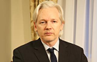 İsveçli savcılar, Assange'ı Londra'da sorgulamak...