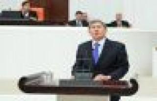 Almazbek Atambayev: Kuvvetli bir Türk birliği yapmalıyız