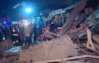 Otel enkazından 3 kişi kurtarıldı