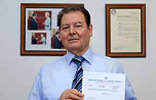 Türk doktor İngiliz Tabipler Birliği Başkan Yardımcısı...