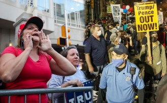 Trump ve Biden Destekçileri Karşı Karşıya Geldi