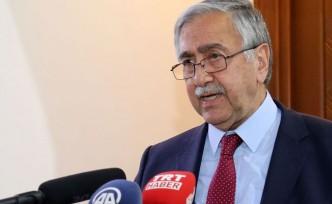 """Kıbrıs'ta diplomasi """"yemek""""le sınırlı kaldı"""