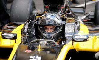 Yasak kalktı ilk Suudi kadın F-1 pilotu, direksiyon başında