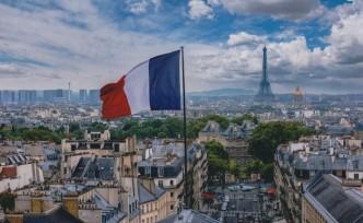 Fransa, okullarda yabancı dil derslerini kaldırıyor