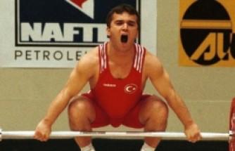 Olimpiyat Şampiyonu Naim Süleymanoğlu Hayatını Kaybetti