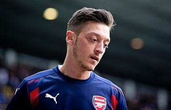 Arsenal'in eski futbolcusu Rosicky'den Mesut Özil'e destek