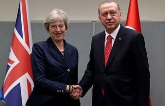 Cumhurbaşkanı Erdoğan, Theresa May ile bir araya geldi