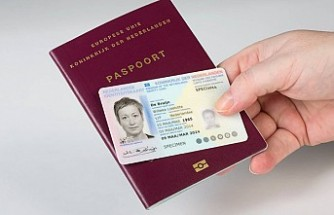 Hollanda'nın ilk cinsiyetsiz pasaportu verildi