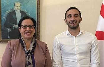 Kaptan Mert'ten Büyükelçi Tuncalı'ya Ziyaret