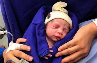 İlk kez bir ölüden yapılan rahim nakliyle sağlıklı bir bebek doğdu