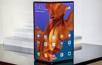 Huawei, 2299 euroluk katlanabilir akıllı telefonu Mate X'i tanıttı