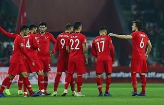 A Milli Futbol Takımı, yarın topbaşı yapıyor