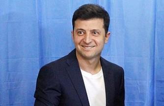 Ukrayna Halkı Komedyen Zelenskiy'i Başkan Seçti