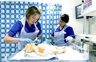 İngiliz Ulusal Sağlık Servisi Yurt Dışından Hemşire Getirecek