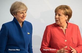 Merkel, İngiliz Mevkidaşının İstifa kararı İçin Konuştu
