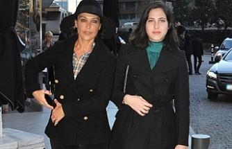 Hülya Avşar'ın kızı sosyal medyada gündem oldu