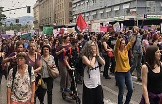 İsviçre'de kadınlar 28 yıl sonra yeniden eşitlik için sokakta