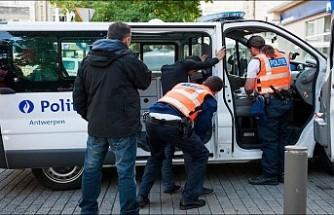 Müslüman kadının 'peçesini zorla açmak isteyen' Belçikalı gözaltına alındı