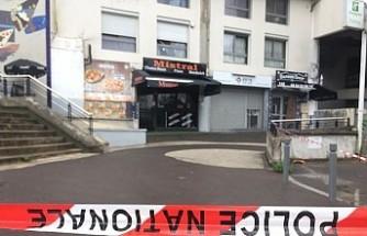 Paris'te bir garson 'yavaş servis' gerekçesiyle öldürüldü
