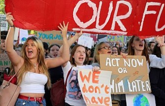 İngiltere ve İsveç'te iklim değişikliği protestosu