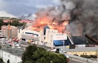 Rusya'da alışveriş merkezinde yangın