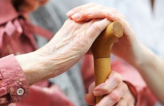 Kadınların yarısı 46 yaşında bakım sorumluluğu üstleniyor
